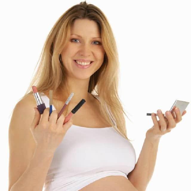 Bật mí phong cách trang điểm đẹp cho phụ nữ mang thai
