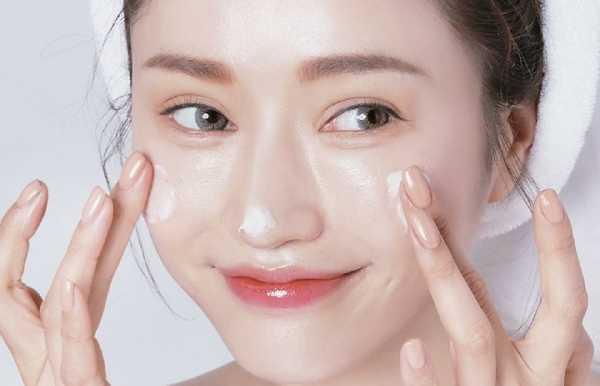 Không phải ai cũng biết cách chăm sóc da để có gương mặt sáng