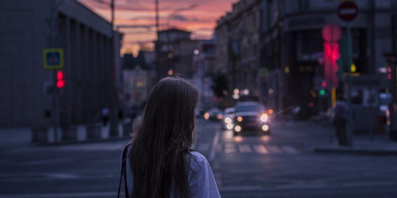 Vì sao phụ nữ càng yêu sâu sắc lại càng khó có tình yêu?